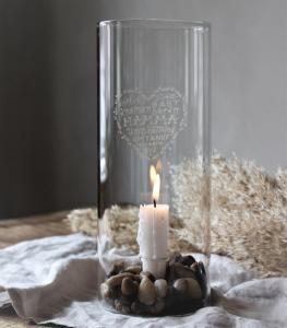 Ljusstake Mamma, klarglas, från Majas lyktor säljs till förmån för Barncancerfonden