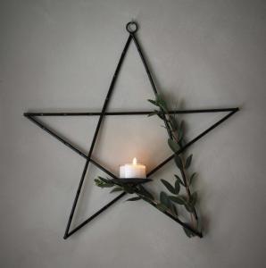 Väggljushållare stjärna (metall) från Majas lyktor säljs till förmån för Barncancerfonden