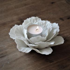 Ljushållare/Ljusstake Peony, från Majas lyktor säljs till förmån för Barncancerfonden