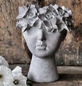 Kruka Madame Floral, från Majas lyktor säljs till förmån för Barncancerfonden