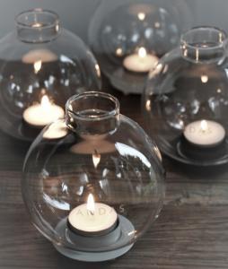 Ljuslykta Andas, klarglas, från Majas lyktor säljs till förmån för Barncancerfonden
