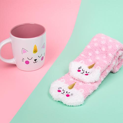 Storbritannien butik bästa pris fri leverans Kittycorn Presentset - Mugg och Strumpor | Presenteriet.se