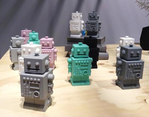 Robert the Robot, dekoration eller sparbössa - KG Design (Gul)