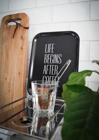 """Bricka """"Life begins after coffee"""" • Pryloteket"""