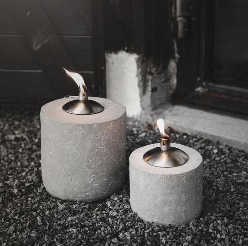Oljelykta i cement - Ernst Kirchsteiger (Liten 14 x 12cm) • Pryloteket
