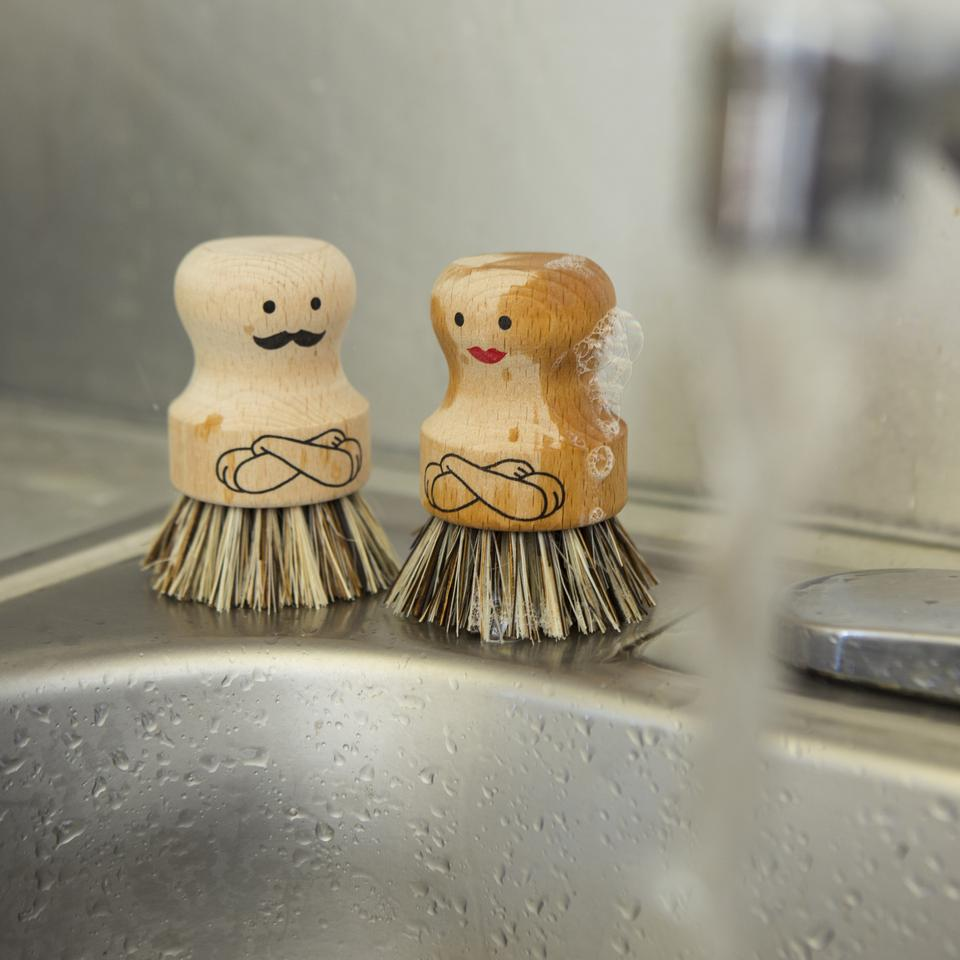 Mr & Mrs Scrubber • Pryloteket