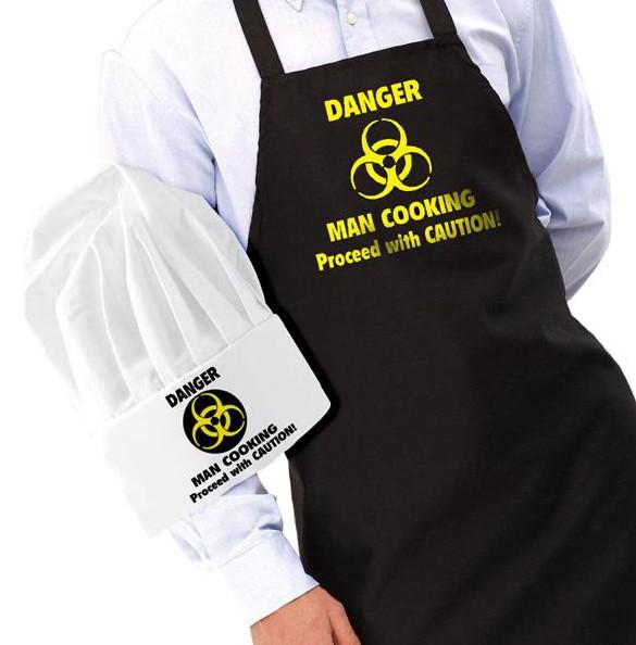 Förkläde och kockmössa, DANGER Man Cooking • Pryloteket