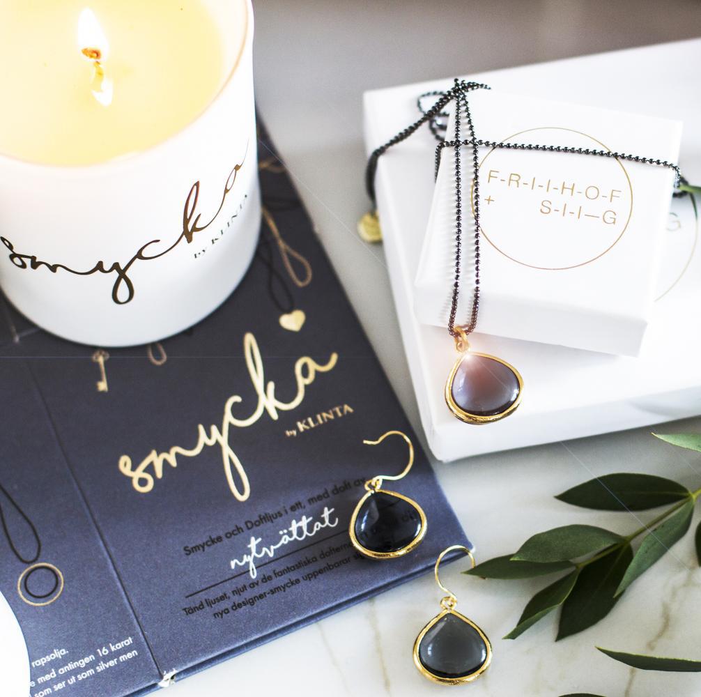 SMYCKA, doftljus med smycke - Klinta (Bubbel & Rosa Grapefrukt) • Pryloteket